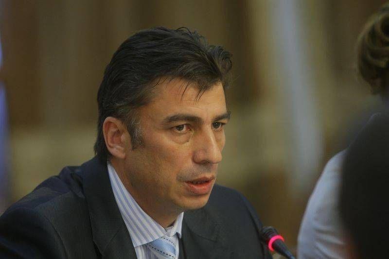 Tradari bilaterale. Crin Antonescu versus Gelu Visan
