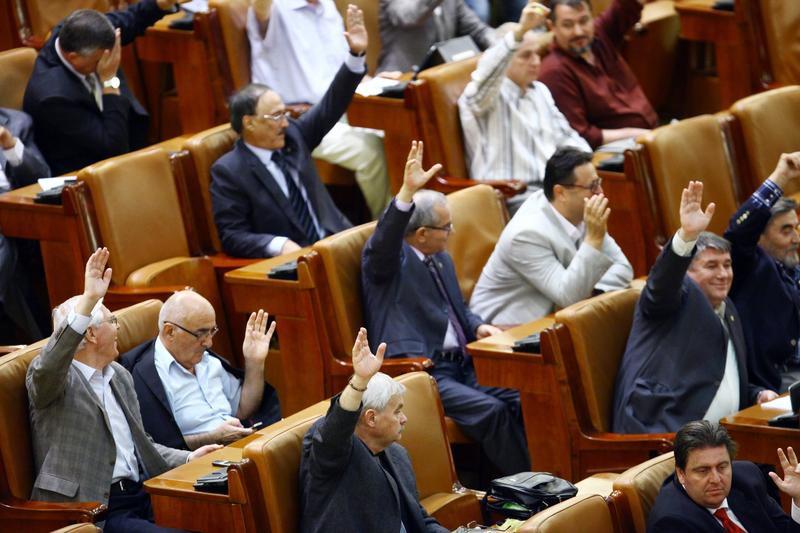 Revista presei – 10 septembrie 2014: Amnistia fiscala, adoptata de Camera Deputatilor