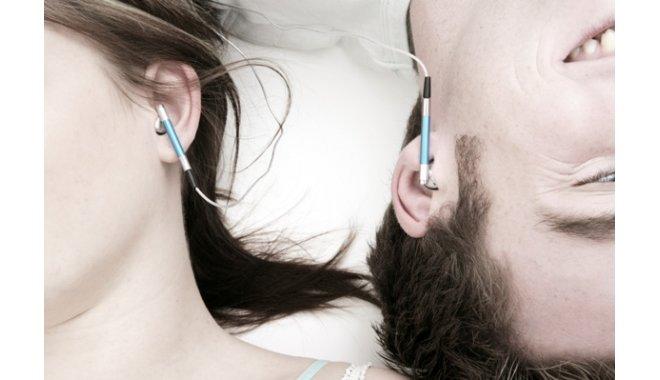 Riscurile la care va expuneti daca folositi casti de urechi