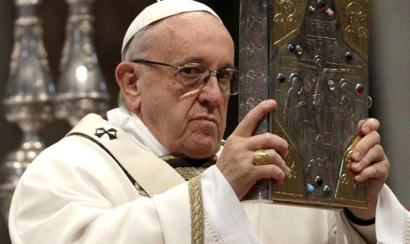 "Papa Francisc: ""Sa fii pacatos si sa fii corupt nu sunt unul si acelasi lucru"""