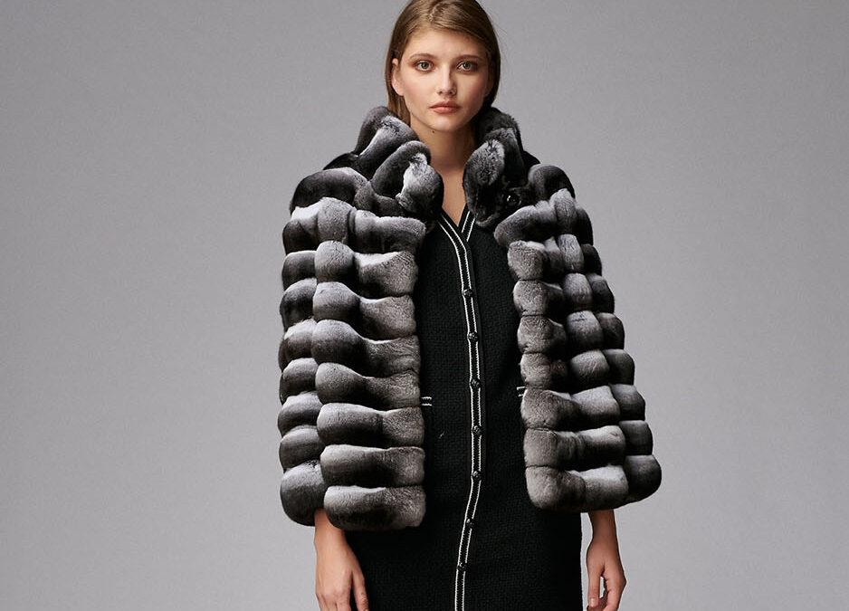 In topul celor mai inspirate articole vestimentare memorabile: haina din blana de chinchilla